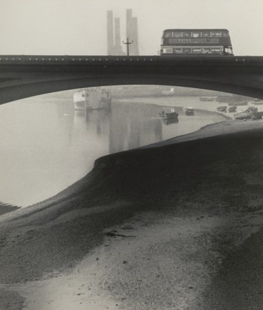 Bill Brandt, Battersea Bridge 2