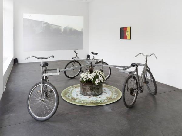 Luca Vitone, Der Zukunft Glanz (Karussell), 2014 (Photo: Simon Vogel)